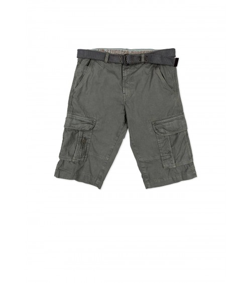 Twill shorts with pockets and belt.